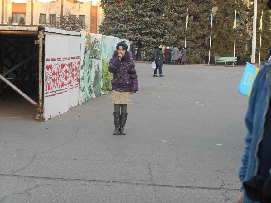 На воскресном вече в Славянске пели, читали стихи и просто общались (фото) (фото) - фото 5