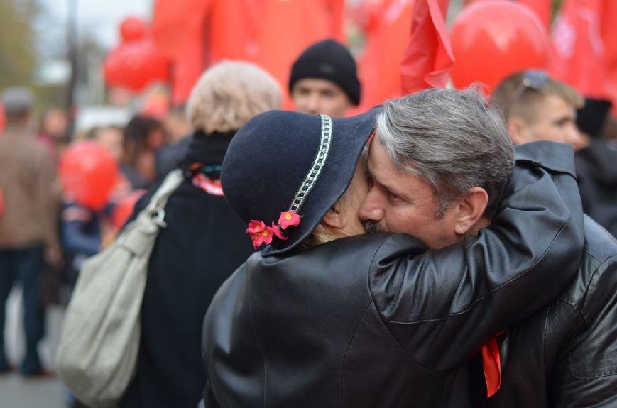 Массовым шествием и митингом в центре Симферополя отпраздновали крымские коммунисты годовщину Октябрьской революции (ФОТОРЕПОРТАЖ, ВИДЕО), фото-14