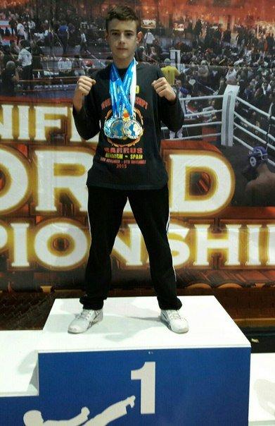 Школьник из Павлограда стал Чемпионом мира по кикбоксингу (фото) - фото 1