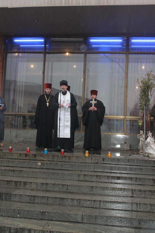 У Житомирі під дощем молились за дітей-сиріт, фото-4