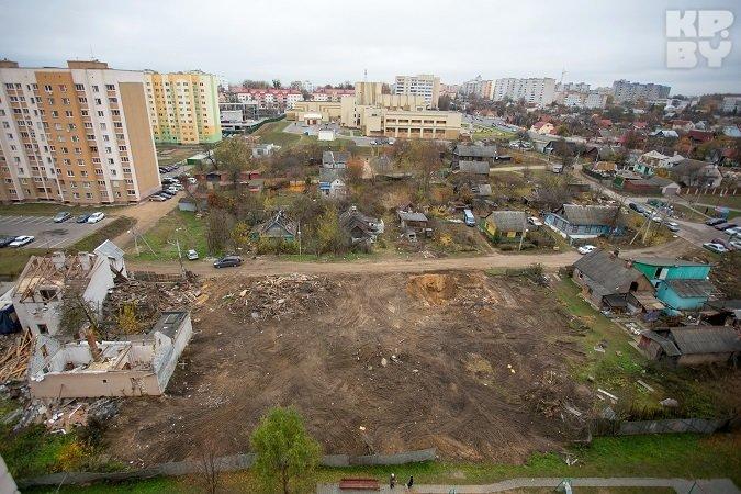 В Гродно начали сносить дома, которые в 2012 году затопило кипятком (фото) - фото 3