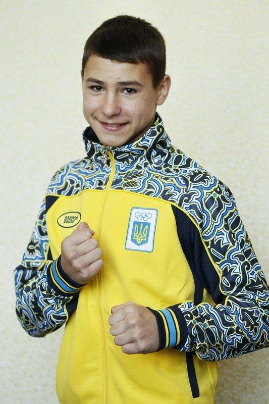 Днепродзержинский боксер Богдан Середа стал серебряным призером чемпионата Европы (фото) - фото 1