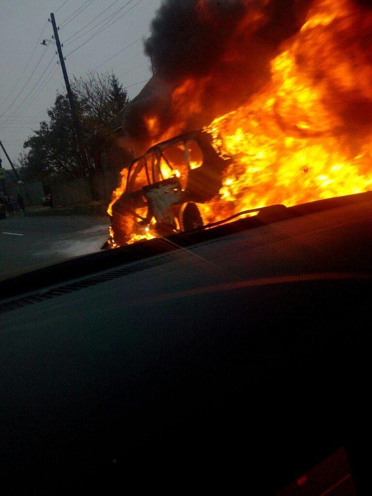 В Харькове во время движения загорелась иномарка (ФОТО), фото-1
