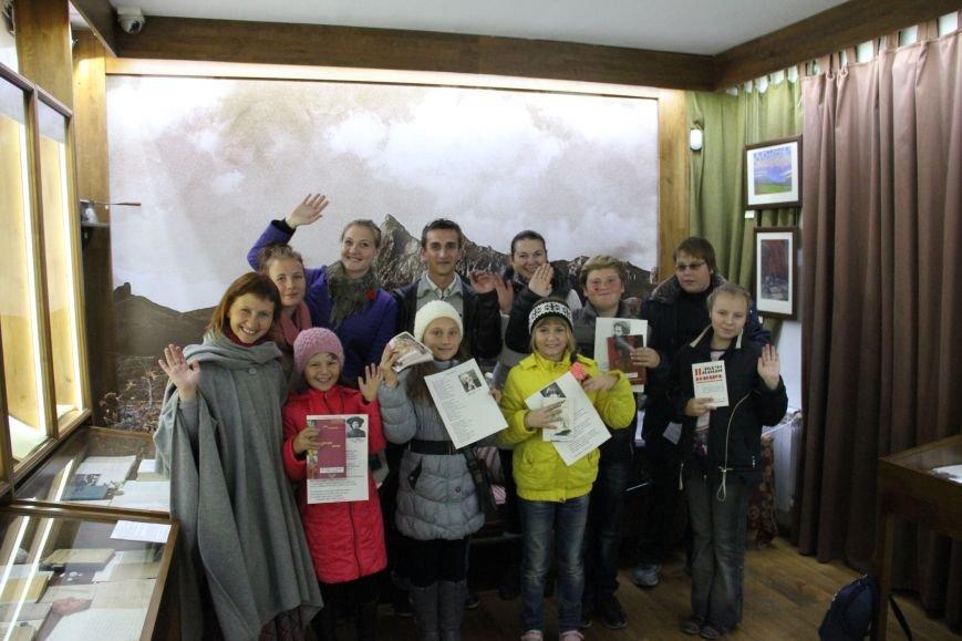 После окончания интерактивной экскурсии по дому-музею М.А.Волошина ребята получили подарки - книги поэтов Серебряного века