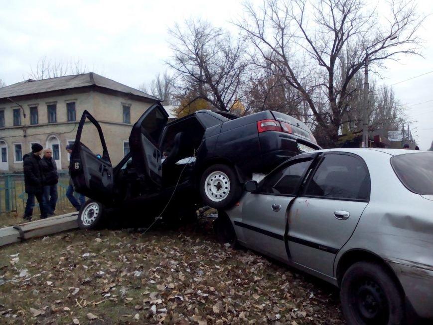Жуткая воскресная автомобильная авария в Доброполье (фото) - фото 1