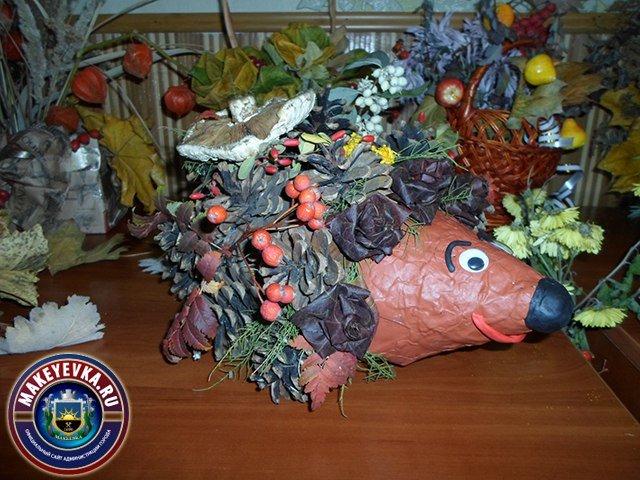 Цветочные фантазии макеевчан: в городе прошел конкурс икебан (фото) - фото 1