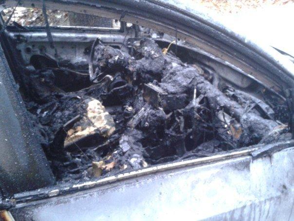 Череда поджогов автомобилей в Симферополе продолжается: Только за утро сгорело три машины (ФОТО) (фото) - фото 5