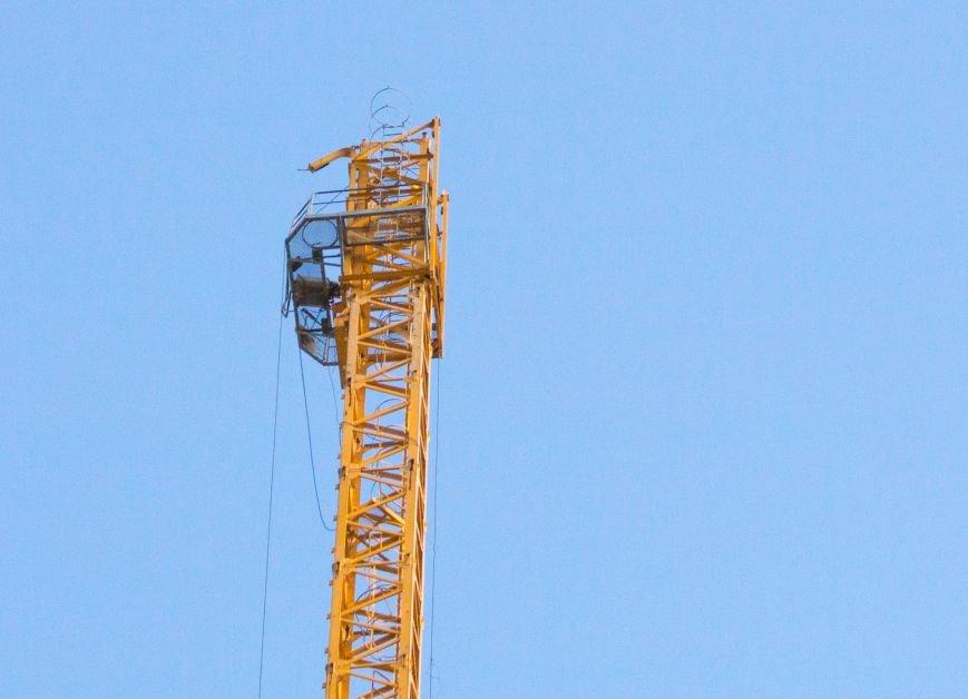 1a054e4a8b41efca19c0d58e5ce05fa6 Падение крана в Аркадии: бешеные строители и недовольные жители