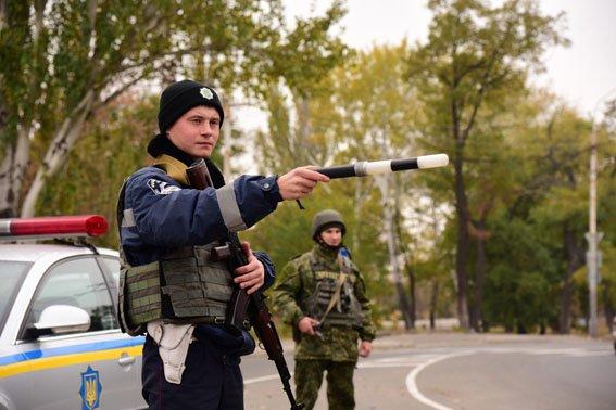 Мариупольцам прекратили выдавать водительские права (фото) - фото 1