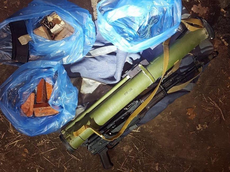 Житель Луганска пытался ввезти на Харьковщину из России автоматы, взрывчатку и боеприпасы (ФОТО), фото-2