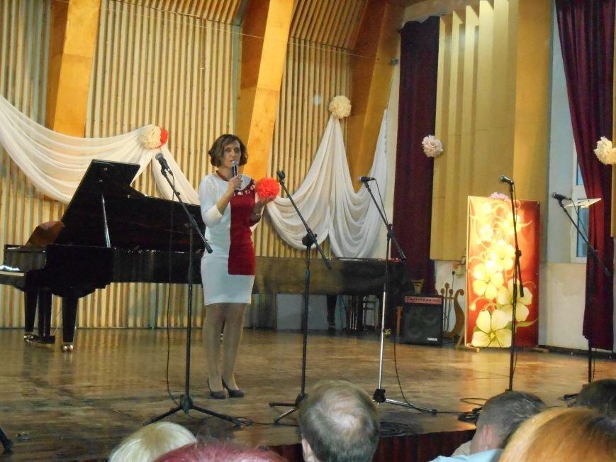 Работников культуры Славянска поздравили с профессиональным праздником (фото) - фото 1