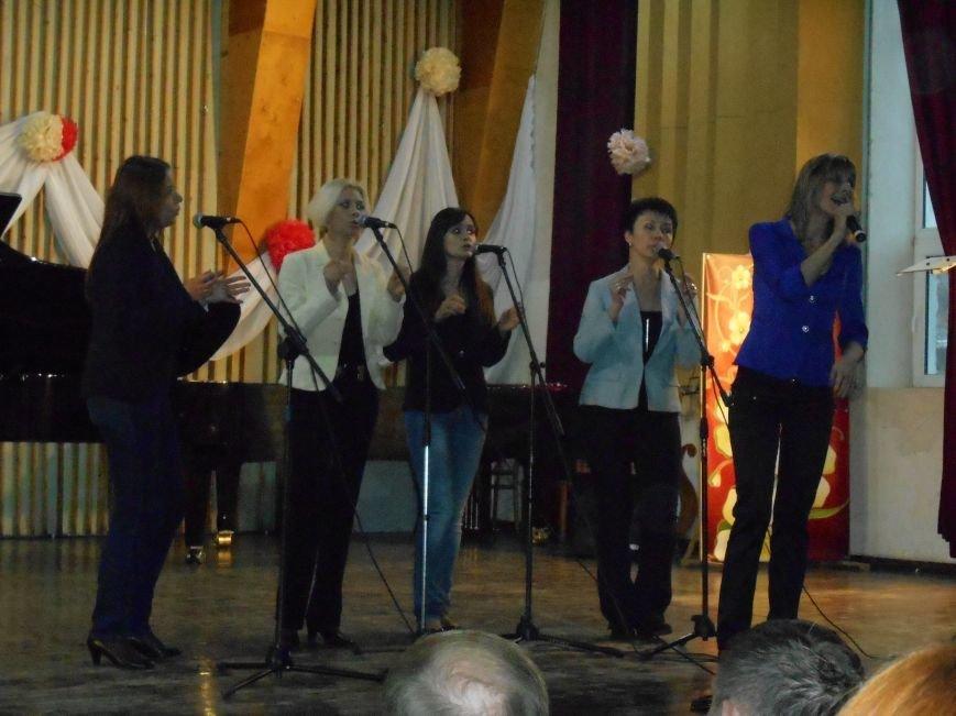 Работников культуры Славянска поздравили с профессиональным праздником (фото) - фото 3