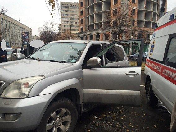 В Шевченковском районе произошла стрельба, есть раненый (ФОТО) (фото) - фото 2