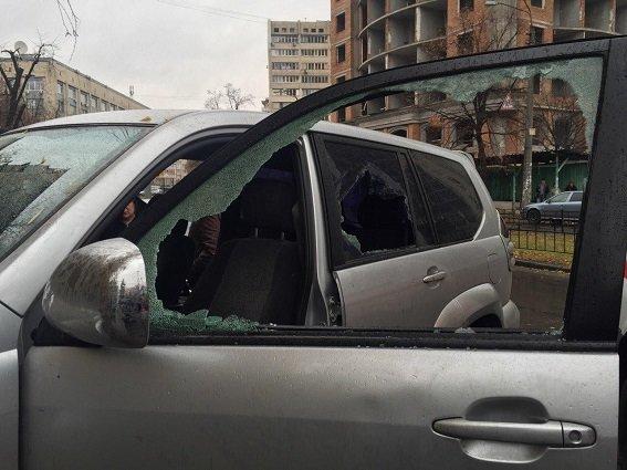 В Шевченковском районе произошла стрельба, есть раненый (ФОТО) (фото) - фото 1
