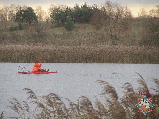В Волковысском районе рыбаки перевернулись в лодке: одного вытянул местный житель, а второй погиб (фото) - фото 2