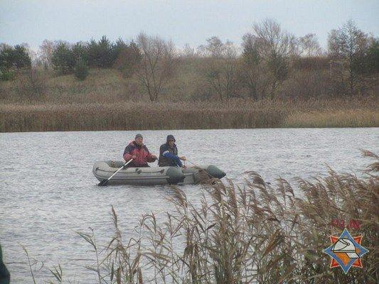 В Волковысском районе рыбаки перевернулись в лодке: одного вытянул местный житель, а второй погиб (фото) - фото 3