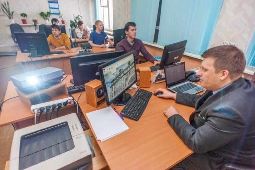 Заводчане постигают управление базами данных (фото) (фото) - фото 1