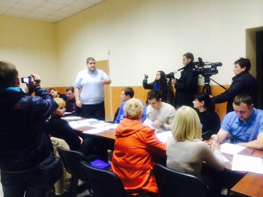 Мариупольская комиссия  сегодня не смогла провести заседание (ФОТО), фото-5