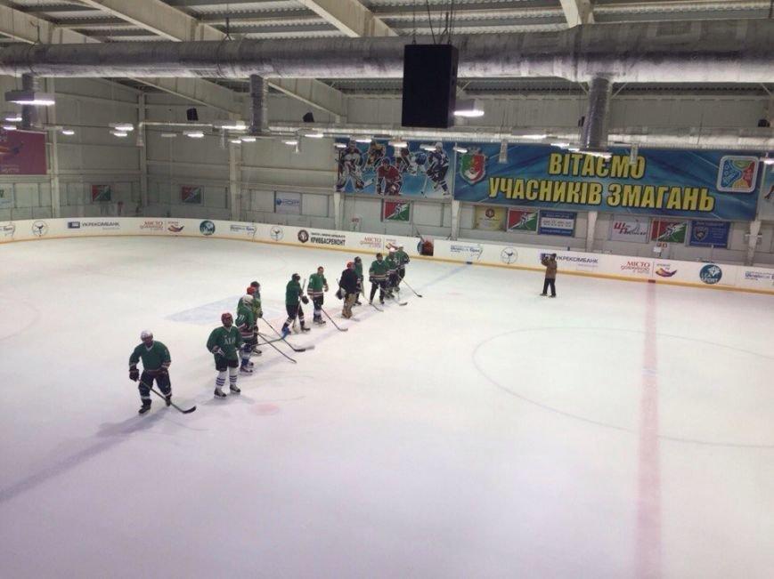 Криворожская хоккейная команда «Саксагань» обыграла ХК «Авангард» со счетом 6:0 (ФОТО) (фото) - фото 1