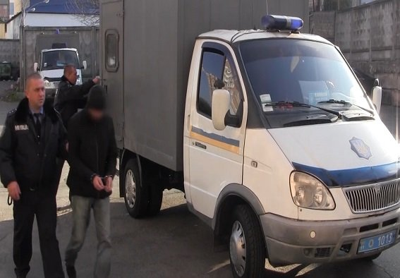 В Киеве задержали серийного педофила (ФОТО, ВИДЕО) (фото) - фото 1