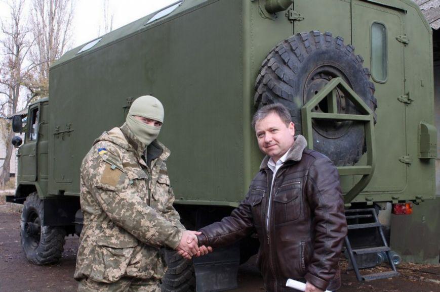 Николаевские волонтеры оборудовали прачечную на колесах для бойцов АТО (ФОТОФАКТ) (фото) - фото 2