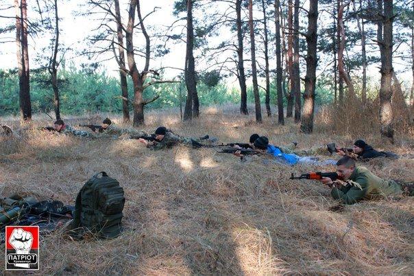 Военная подготовка в Кременчуге: слушателей учили охранять лагерь и эвакуировать раненого (ФОТО) (фото) - фото 1