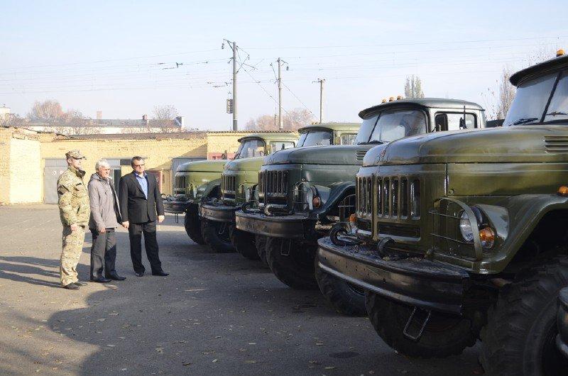 Підприємства Конотопского района відремонтували 5 вантажівок для АТО, фото-1