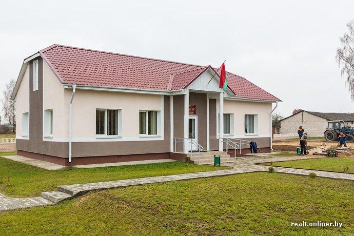 Несмотря на бурное строительство жилья возле Островецкой АЭС девушка-инвалид полжизни ждет социальную квартиру (фото) - фото 22