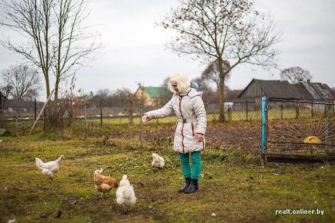 Несмотря на бурное строительство жилья возле Островецкой АЭС девушка-инвалид полжизни ждет социальную квартиру (фото) - фото 1