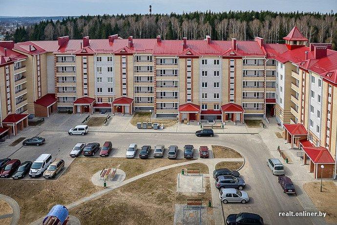 Несмотря на бурное строительство жилья возле Островецкой АЭС девушка-инвалид полжизни ждет социальную квартиру (фото) - фото 26