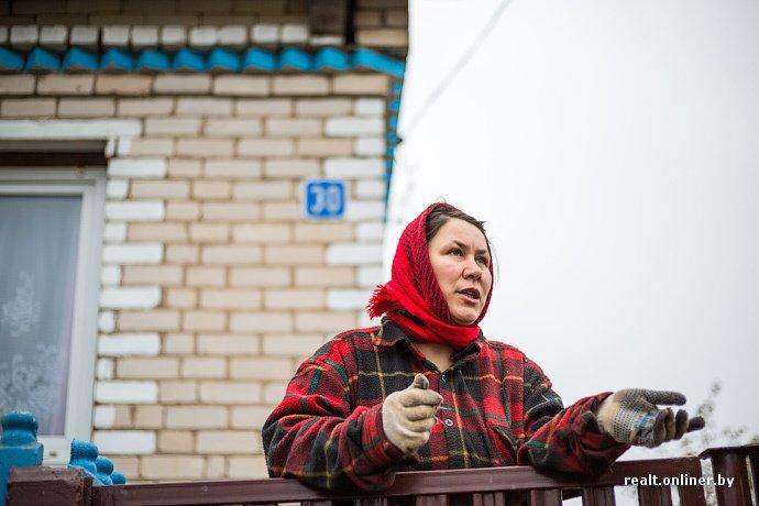 Несмотря на бурное строительство жилья возле Островецкой АЭС девушка-инвалид полжизни ждет социальную квартиру (фото) - фото 3