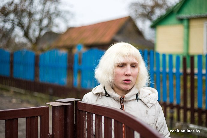 Несмотря на бурное строительство жилья возле Островецкой АЭС девушка-инвалид полжизни ждет социальную квартиру (фото) - фото 11