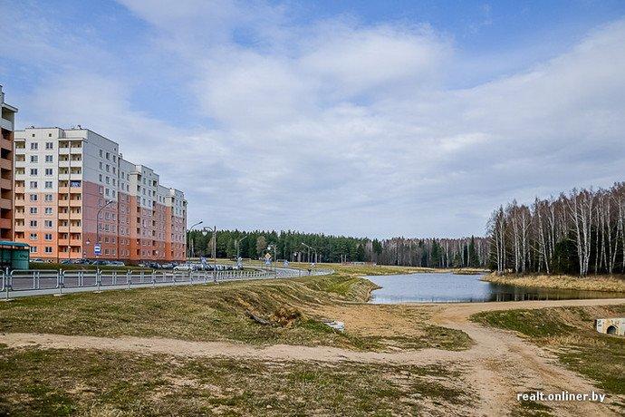 Несмотря на бурное строительство жилья возле Островецкой АЭС девушка-инвалид полжизни ждет социальную квартиру (фото) - фото 27