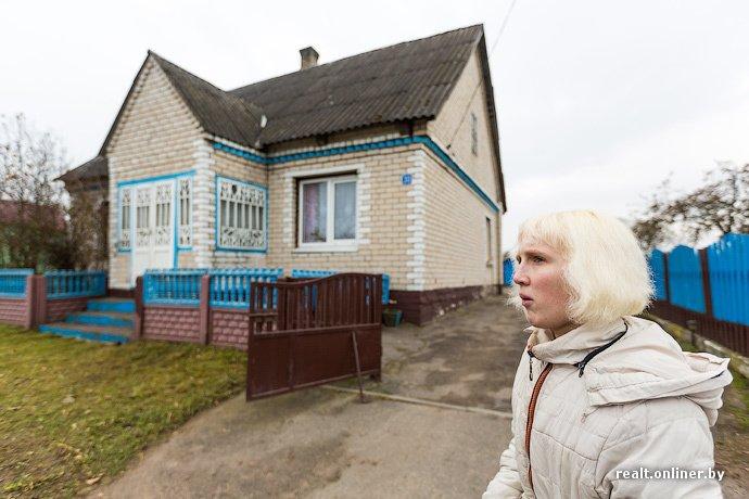 Несмотря на бурное строительство жилья возле Островецкой АЭС девушка-инвалид полжизни ждет социальную квартиру (фото) - фото 21