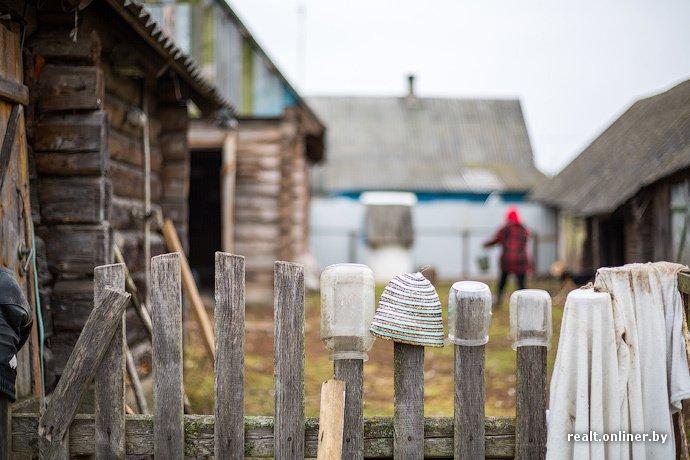 Несмотря на бурное строительство жилья возле Островецкой АЭС девушка-инвалид полжизни ждет социальную квартиру (фото) - фото 17