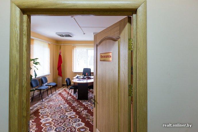 Несмотря на бурное строительство жилья возле Островецкой АЭС девушка-инвалид полжизни ждет социальную квартиру (фото) - фото 23