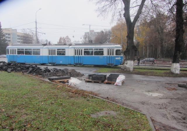 У Вінниці трамвайну зупинку облаштовують для незрячих, фото-3