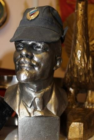 Сыктывкарский участковый рассказал о своей коллекции статуэток Ленина, фото-1
