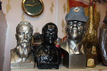Сыктывкарский участковый рассказал о своей коллекции статуэток Ленина, фото-2