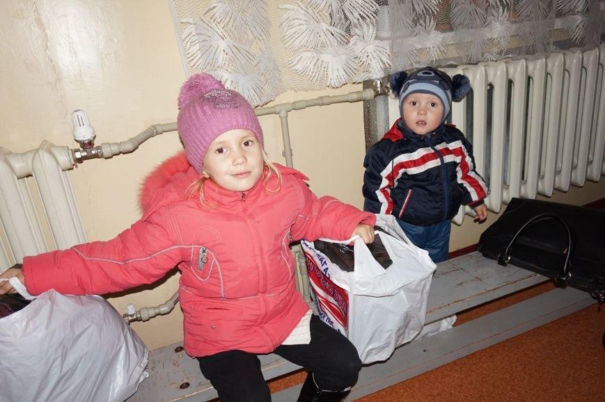 Криворожский предприниматель Олег Ляденко закупил для 68 детей из многодетных и малообеспеченных семей зимнюю одежду и обувь (ФОТО) (фото) - фото 2