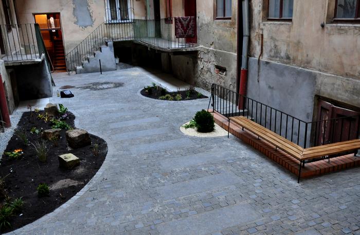 На вулиці Газовій впорядкували внутрішній двір (ФОТО) (фото) - фото 3