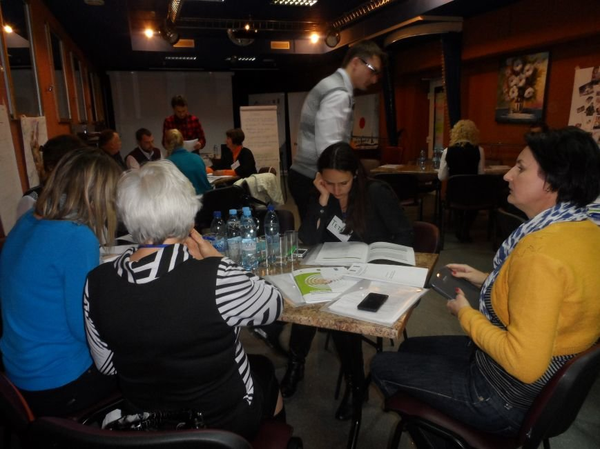 У трьох районах Полтавщини з'являться кейс-менеджери, які дбатимуть про переселенців, фото-2