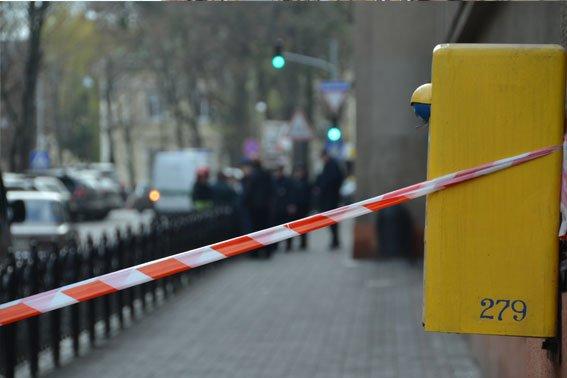 Поліція затримала чоловіка, який повідомив про замінування Головної пошти (ФОТО) (фото) - фото 1