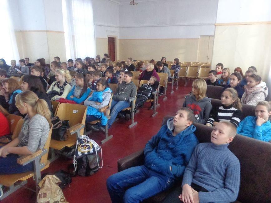 Школьники Родинского встретились с «Городскими стражами» (фото) - фото 2