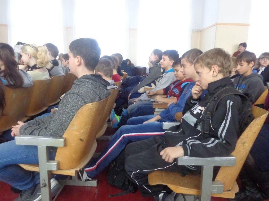Школьники Родинского встретились с «Городскими стражами» (фото) - фото 1