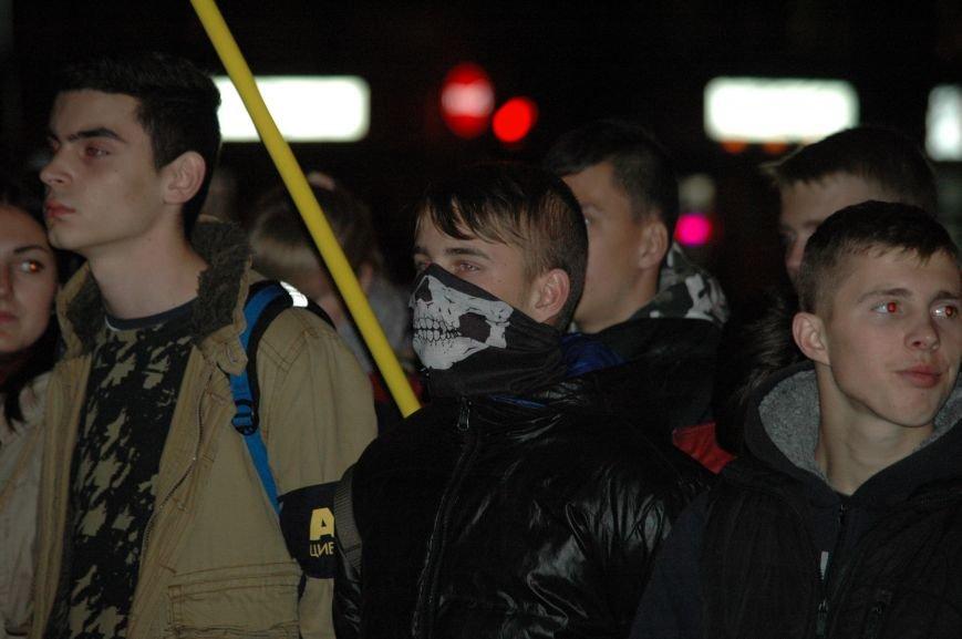 На марше «Азова» в Запорожье жгли фаера и флаги, - ФОТОРЕПОРТАЖ, фото-4