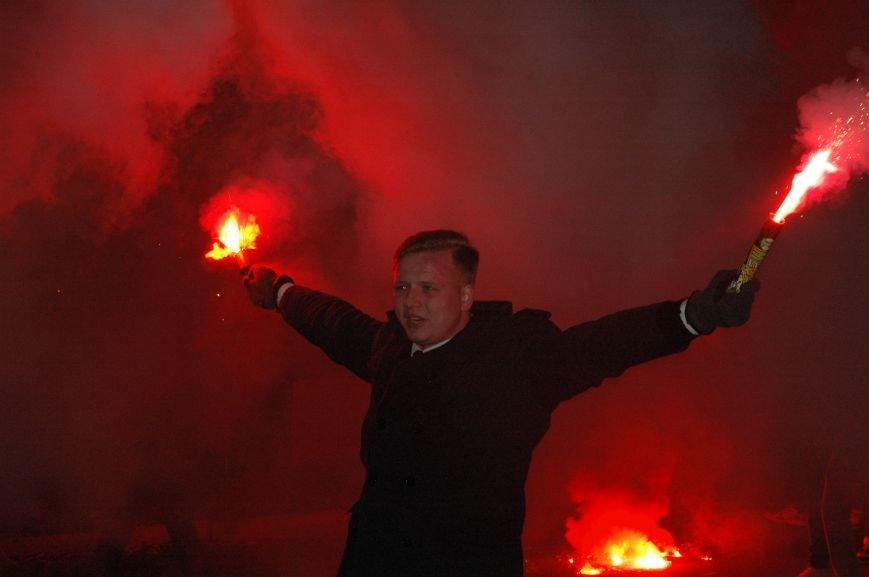 На марше «Азова» в Запорожье жгли фаера и флаги, - ФОТОРЕПОРТАЖ, фото-9