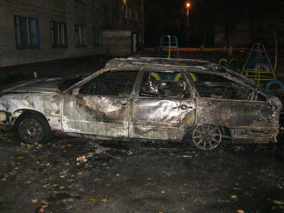 На Полтавщині підпалили одразу три автомобіля (фото) - фото 1
