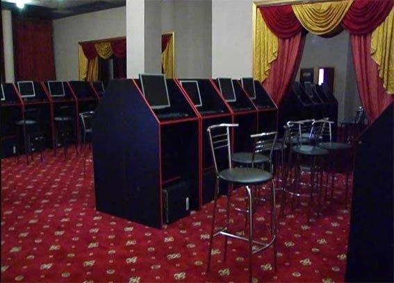 У Полтаві викрили підпільний гральний клуб (ФОТО) (фото) - фото 3