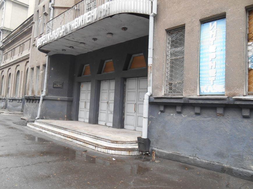 Открытый люк в центре Славянска (фотофакт) (фото) - фото 3